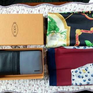 Authentic tods wallet