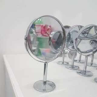 Mini Magnifying Rotating Beauty Mirror