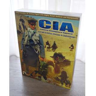 Hot Toys - CIA (Central Intelligence Agency) Agent Action Figure