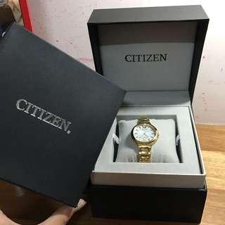 Citizen 光動能女錶