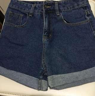全新深藍色短褲