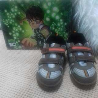 Preloved Ben 10 Boy Shoes Original Disney