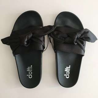 DOTTI Black Bow Pool Slides Sandals Size 6
