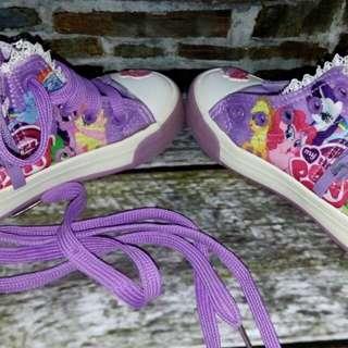 Spatu litte pony warna ungu