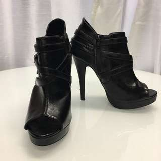 Black strap peep toe