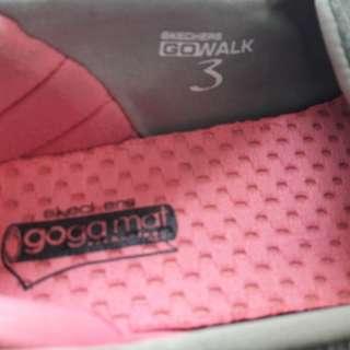 Sepatu Skechers uk 39
