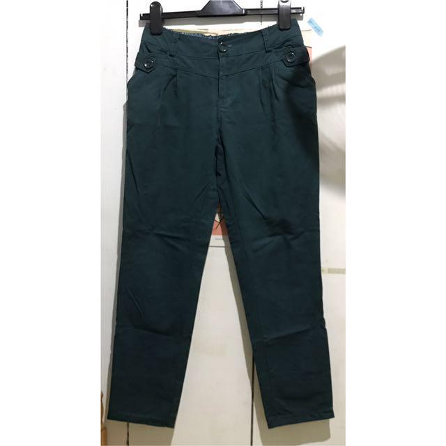 墨綠色中腰反折休閒褲