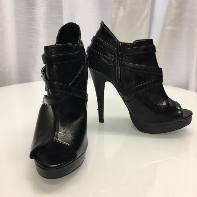 Black strap peep toe