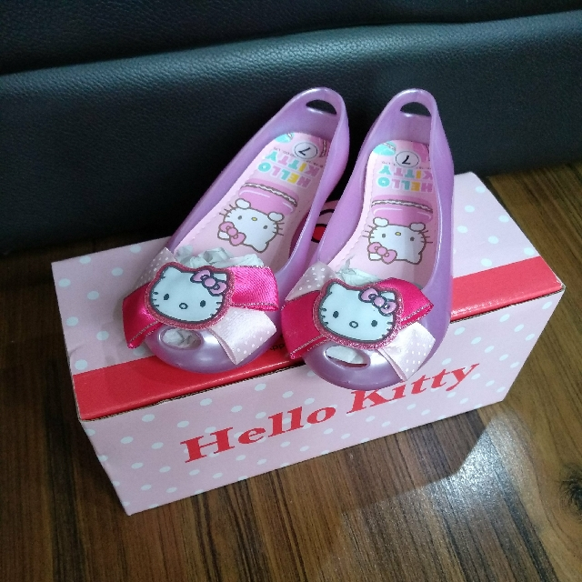 ad3fc15d4 BNIB Authentic Purple Hello Kitty Jelly Shoes From Bata, Babies & Kids on  Carousell