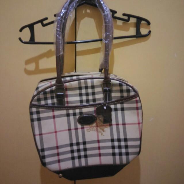 Burberry's hand bag