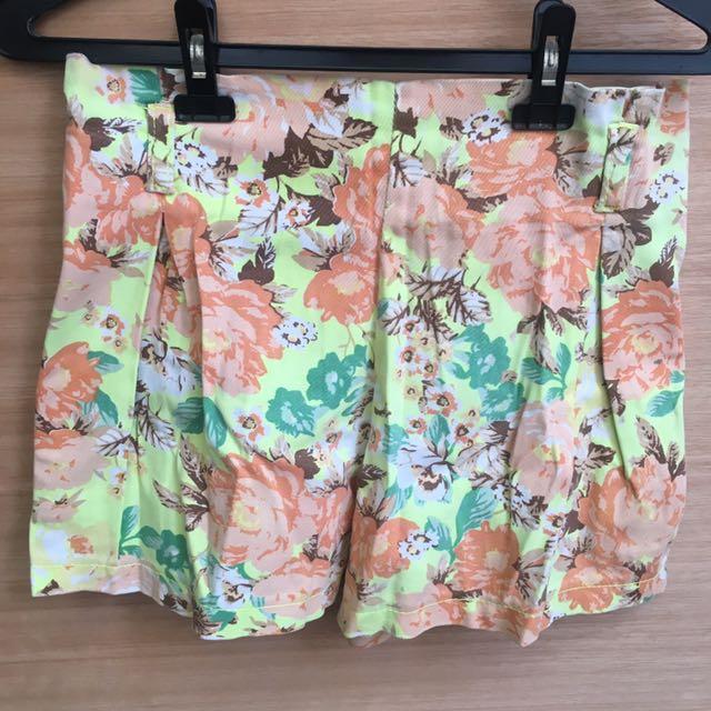 celana pendek karet bunga