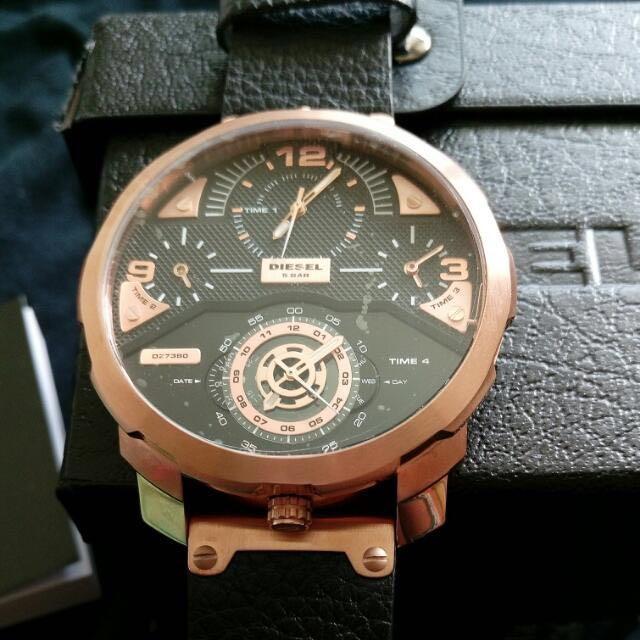 Diesel 四時區時尚男錶 玫瑰金 黑錶帶 最優惠價