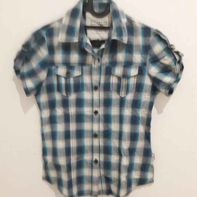 Flanel/checkered shirt