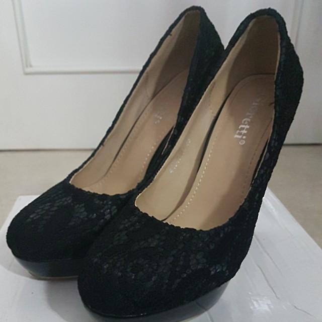 Gioretti Black High Heels