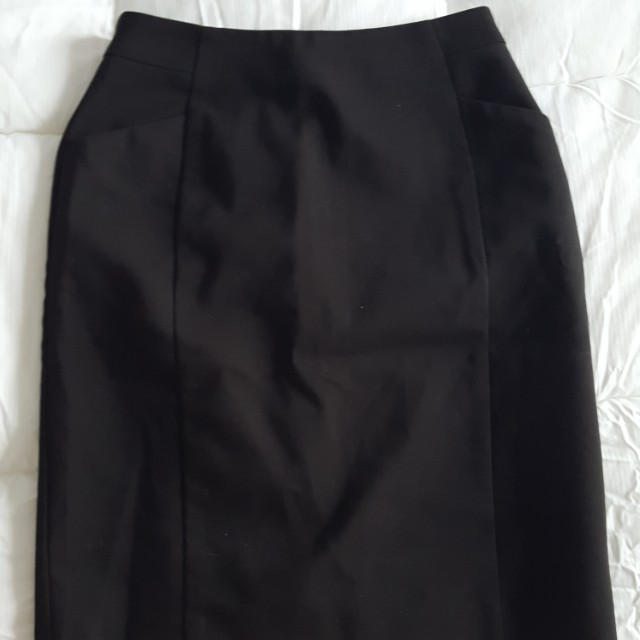 H&M Pencil skirt with slit in the back size 4