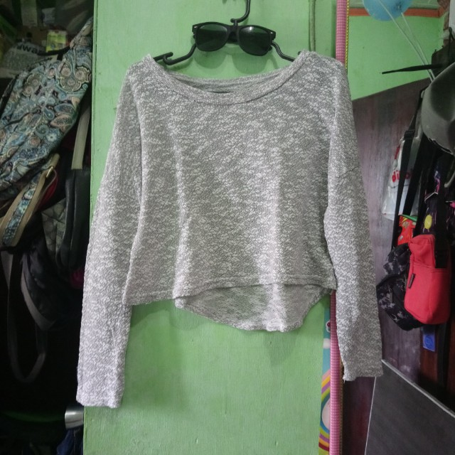 Knitted crop pull over