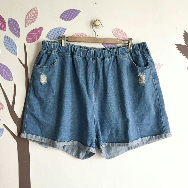 PLUS SIZE DENIM TATTERED SHORTS