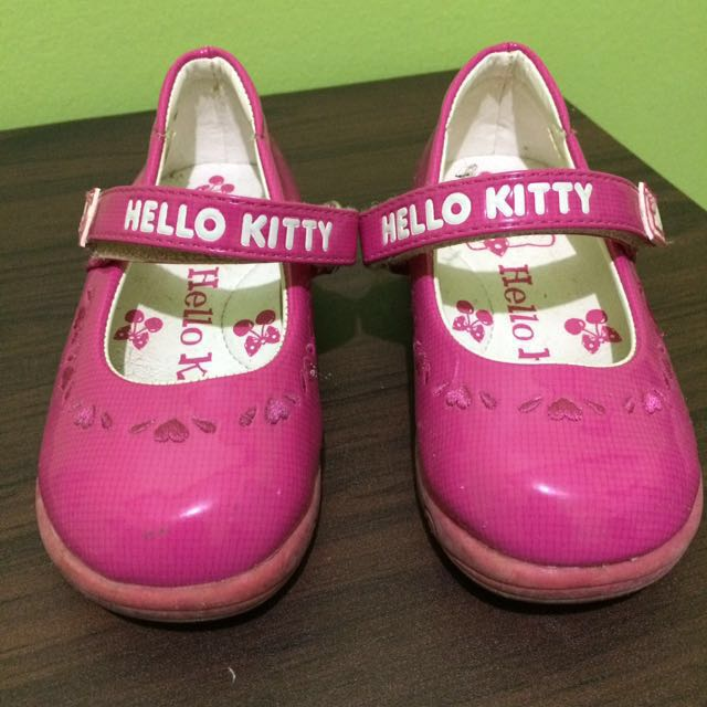 REPRICED!!! 🐱Hello Kitty girl's shoes 🐱