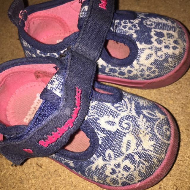 Sepatu Balita 1years Old Merk Bublegum