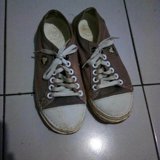 Sepatu Kets Crocs Original