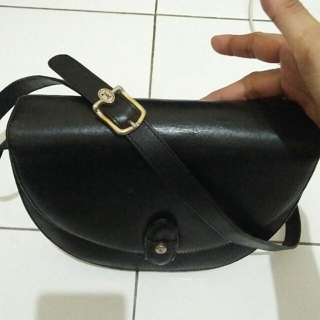 681ac3f70d40 Sling Bag Retro
