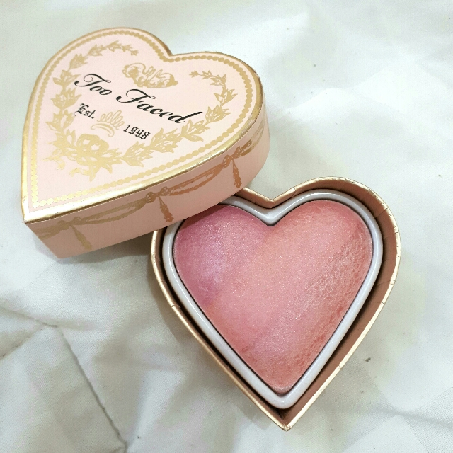 too faced sweetheart blush shade candy glow
