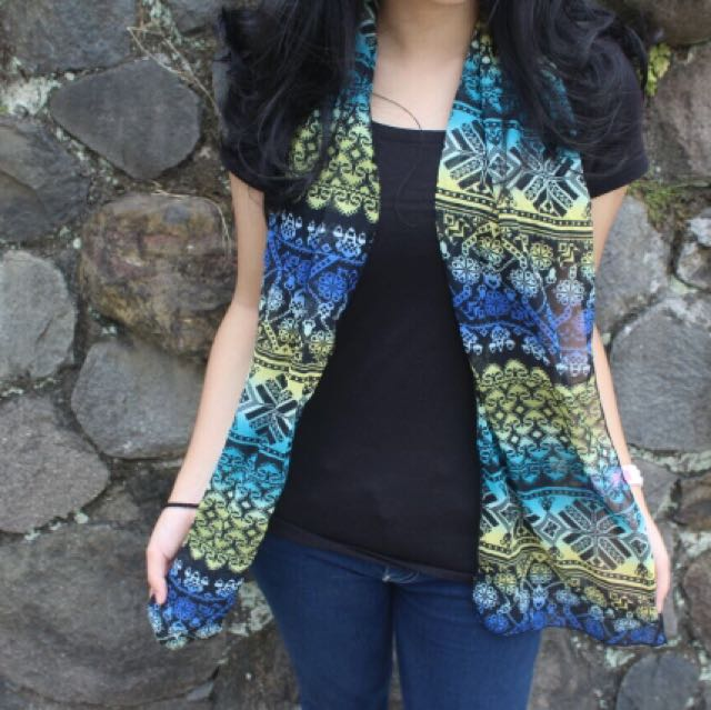 Tribal neon scarf woman