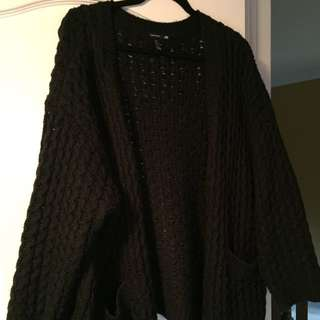 oversized black h&m cableknit cardigan. SUPER COZY & WARM
