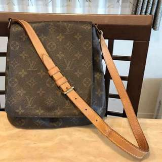 Authentic LV Muzette PM