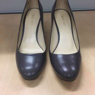 Mauve Leather Nine West Pumps