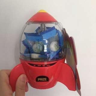 100% New 三眼仔火箭盒(內有一包糖)