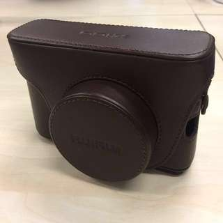 全新原裝行貨 Fujifilm 富士 X100 皮套 皮袋 相機帶 Leather Case with Shoulder Strap 啡色 Brown FLC-X100