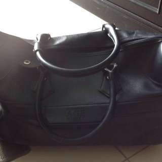Travel Bag (hard leather)