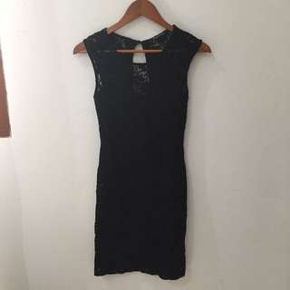 Dress. FOREIGN EXCHAIN