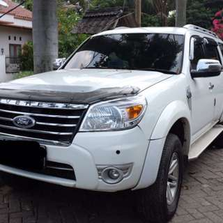 Ford Everest white matic