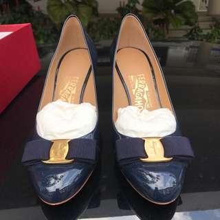 Ferragamo vara bow heels