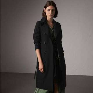 Burberry Trench Coat- the Kensington