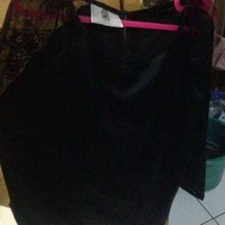 Top Black - Brukat hitam