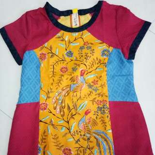 Baju batik kultur Dea Valencia