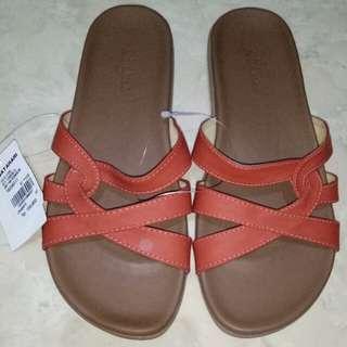 St.Yves sandal oranye