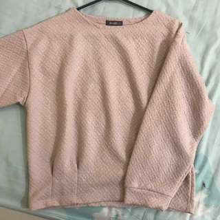 Sweater warna nude
