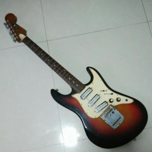 Antique Aria Diamond Guitar Vintage