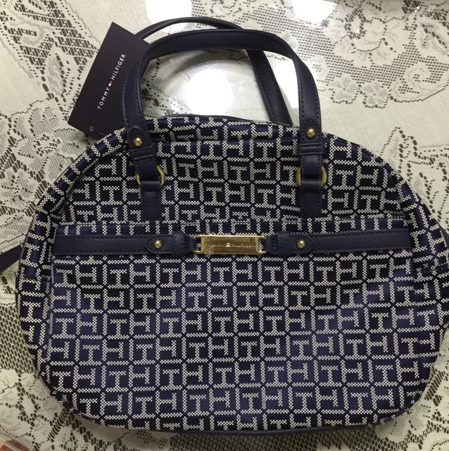 AUTHENTIC BNWT Tommy Hilfiger Bag