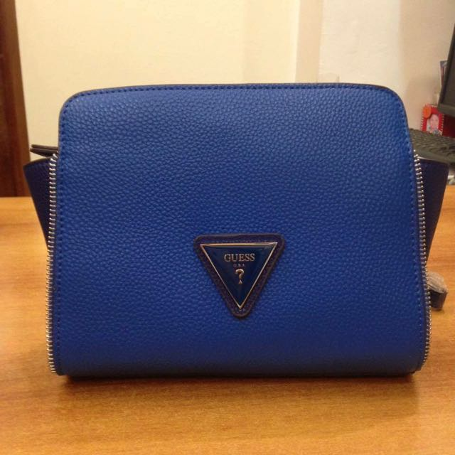 Authentic Guess Trapeze Mini Sling