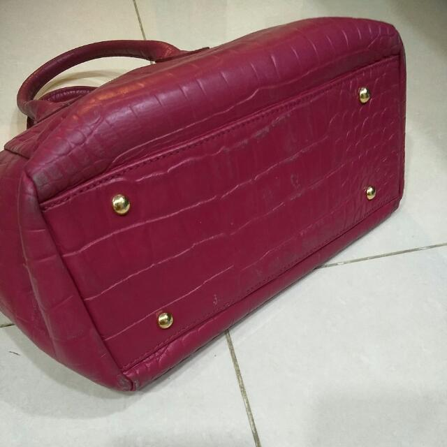 Authentic Samantha Thavasa Magenta Bag