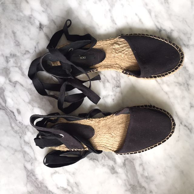 Beach/summer shoes forever 21
