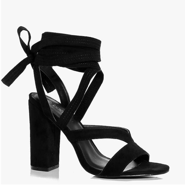 Block heel w/ wrap strap