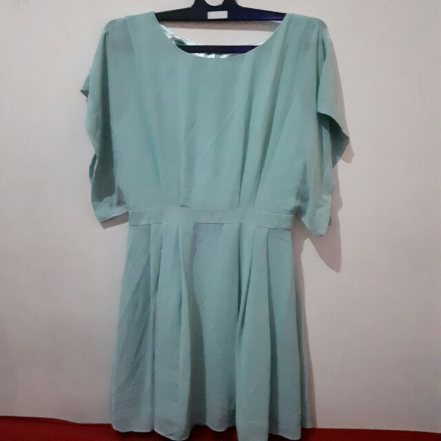 Dress warna telor asin