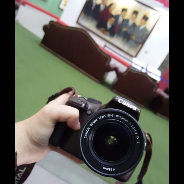 FOR SALE! KAMERA CANON SLR EOS 1100 D