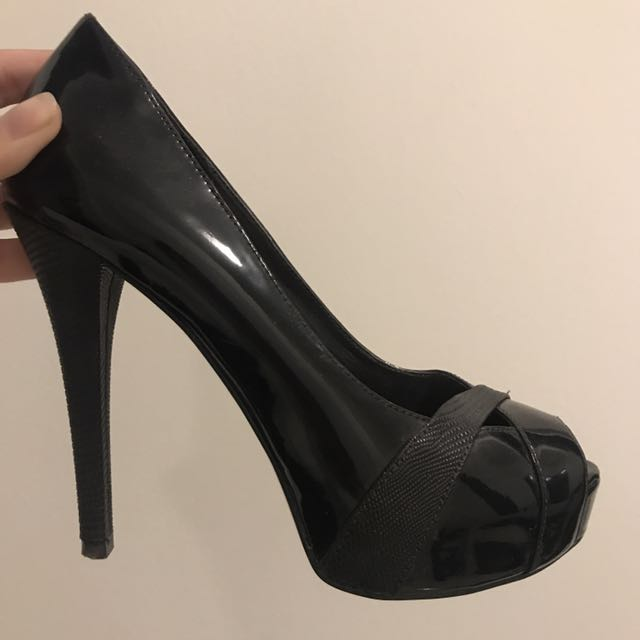 Guess Pumps (New)